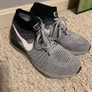 Like New Women's Black & Gray Nike Shoes